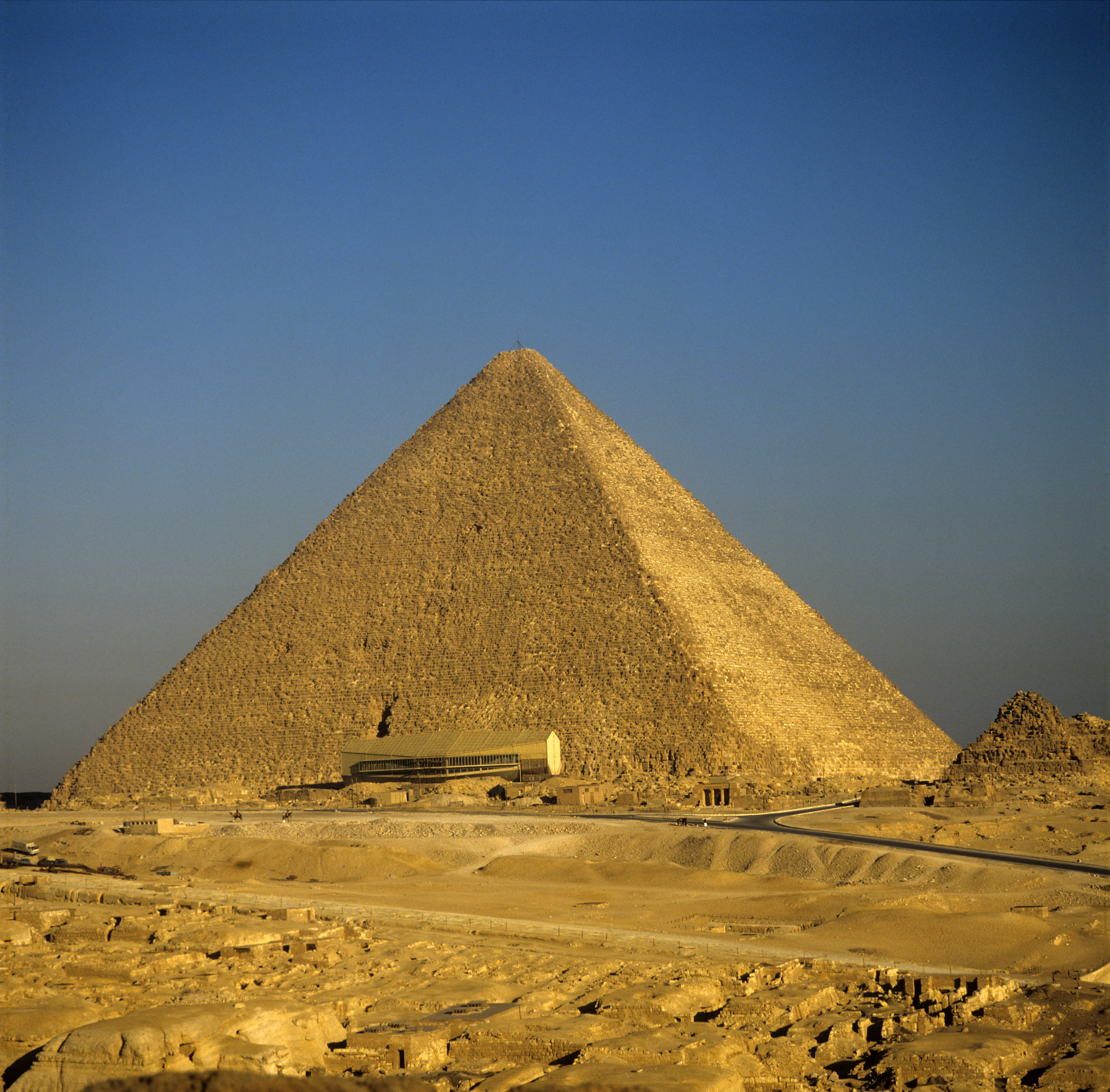 Cheops pyramid with Boat Museum